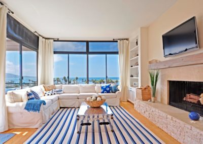 Beach Styled Cream Living Room Draperies