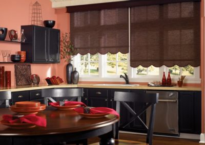 Lighter reds and browns make this non-aggressive and welcoming.