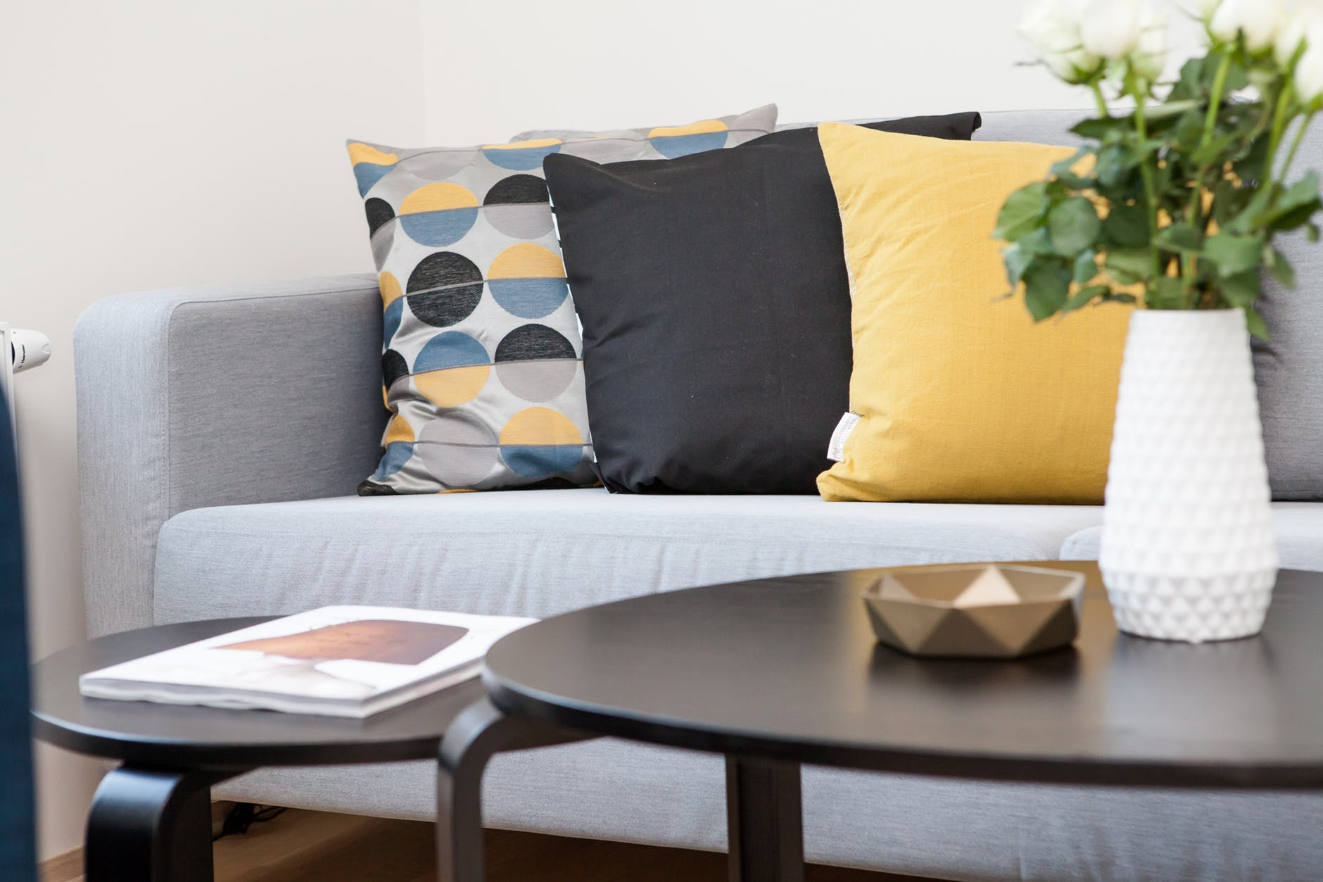 accent items like throw pillows can be swapped out with trends
